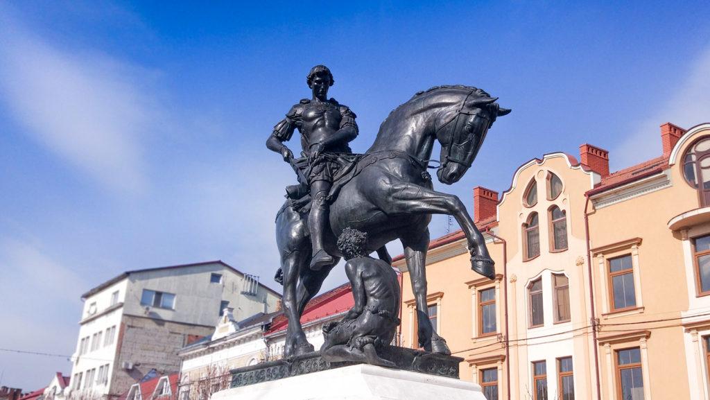 Пам'ятник святому Мартину